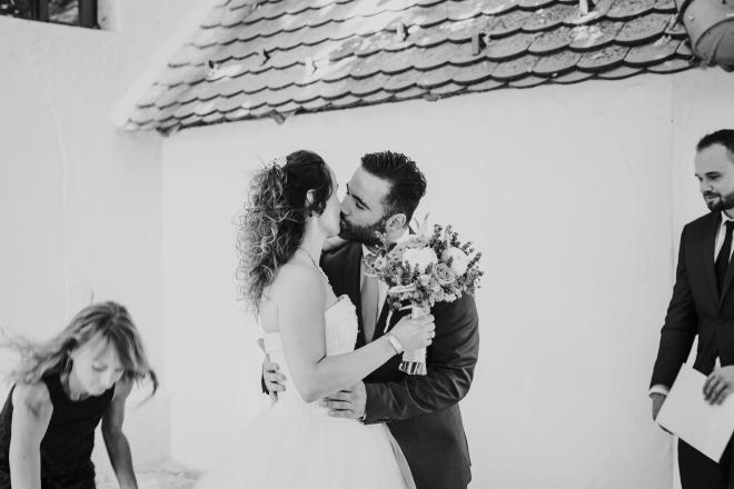 csók esküvő